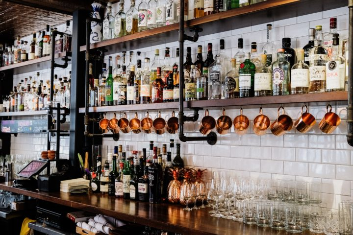Bar of boardroom? En drie andere LinkedIn-etiquette voor professionals